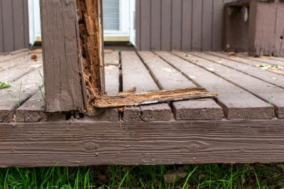 This damaged beam in Louisville, KY needs a deck repair.